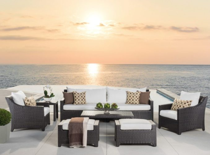White outdoor sofa set
